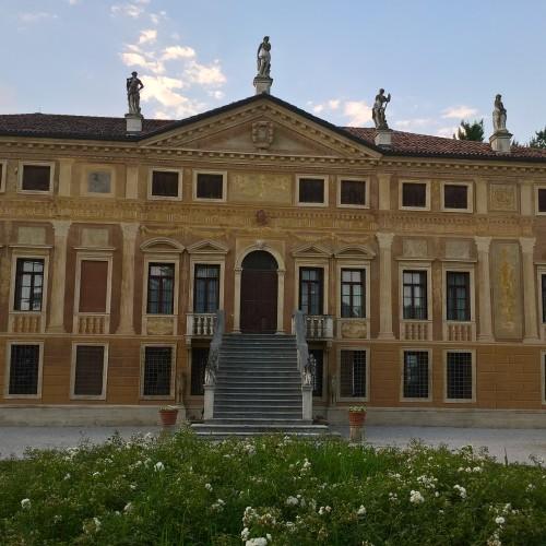 Location Villa Curti